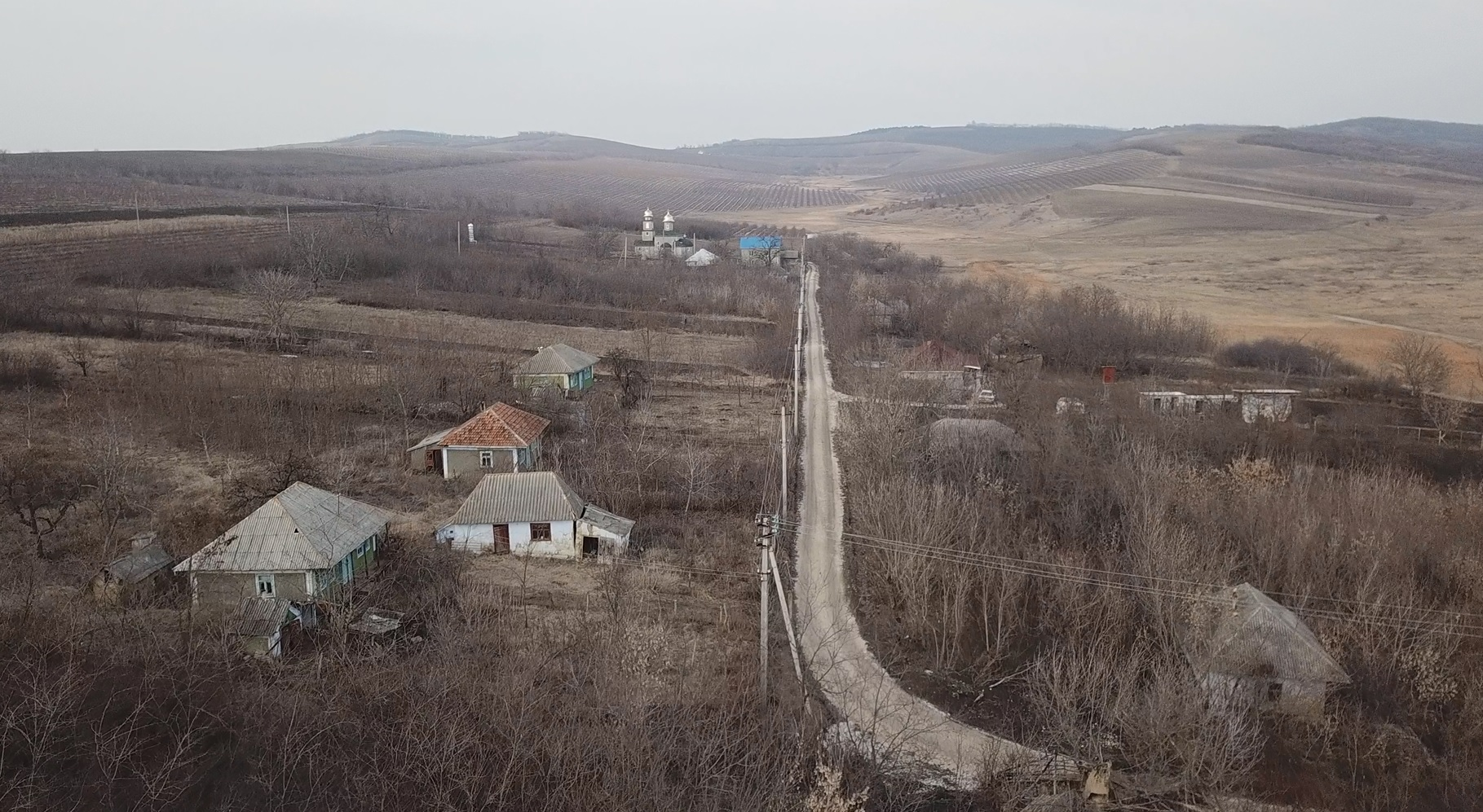 VIDEO | Șestaci – un sat cu un călugăr șidoi enoriași