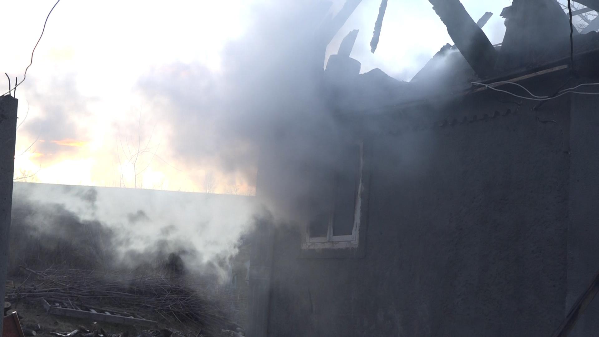 VIDEO | Incendiu la Florești. Flăcările au mistuit casa unei familii din satul Unchitești