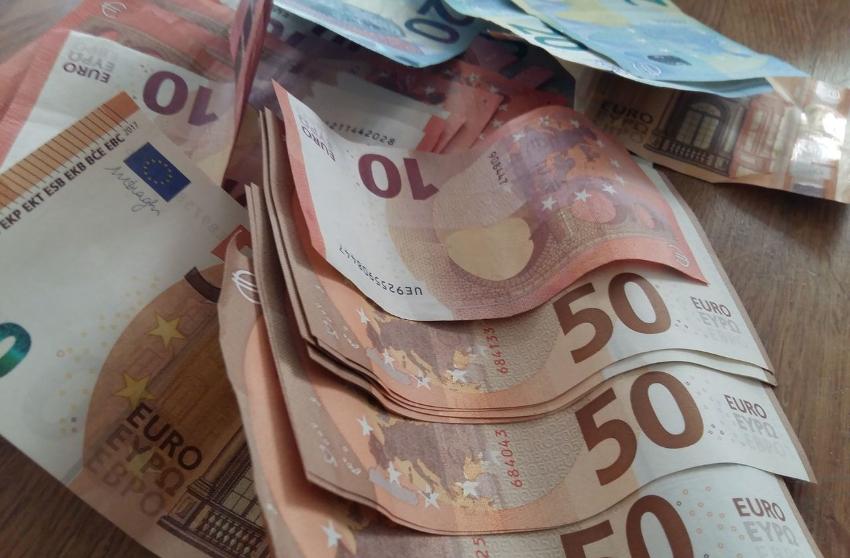 Адвоката из Глодян задержали за взятку €4000