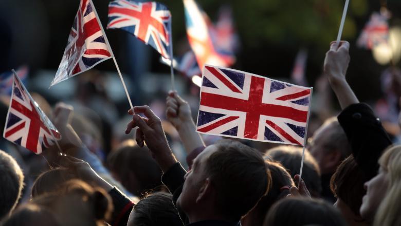 """Marea Britanie închide """"robinetul"""" pentru străinii slab calificaţi. Noile condiţii de muncă din 2021"""