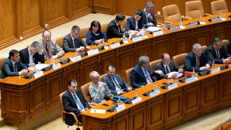 LIVE | Moțiunea de cenzură împotriva Guvernului Orban a fost adoptată cu 261 de voturi