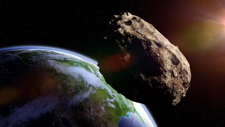 Un asteroid mare cât o clădire cu 100 de etaje, care are propria Lună, a trecut pe lângă Pământ