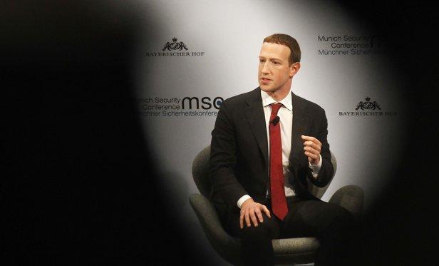 Zuckerberg a recunoscut că Facebook a avut o reacţie lentă faţă de ingerinţele ruse