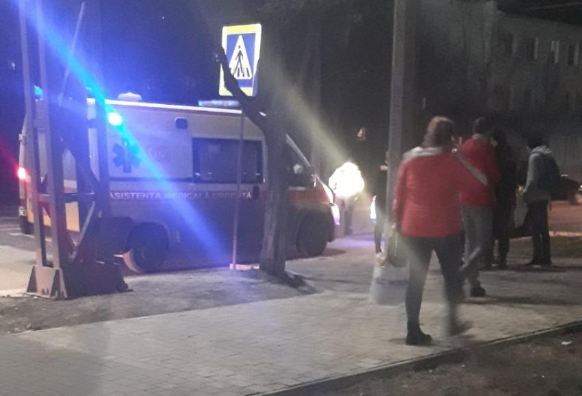 VIDEO | Femeie lovită de un automobil la Bălți