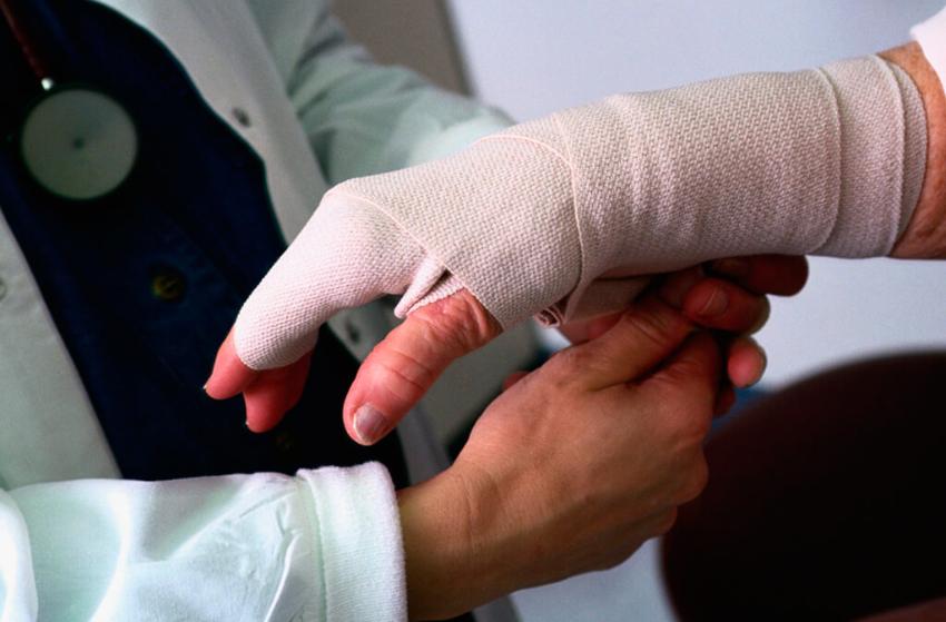 Люди, пострадавшие от несчастного случая на рабочем месте, смогут получать увеличенное пособие