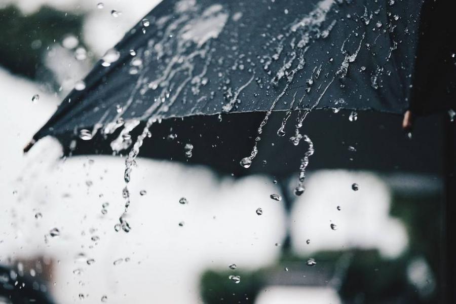 Ploi în nordul țării. Noaptea se anunță temperaturi de până la minus patru grade