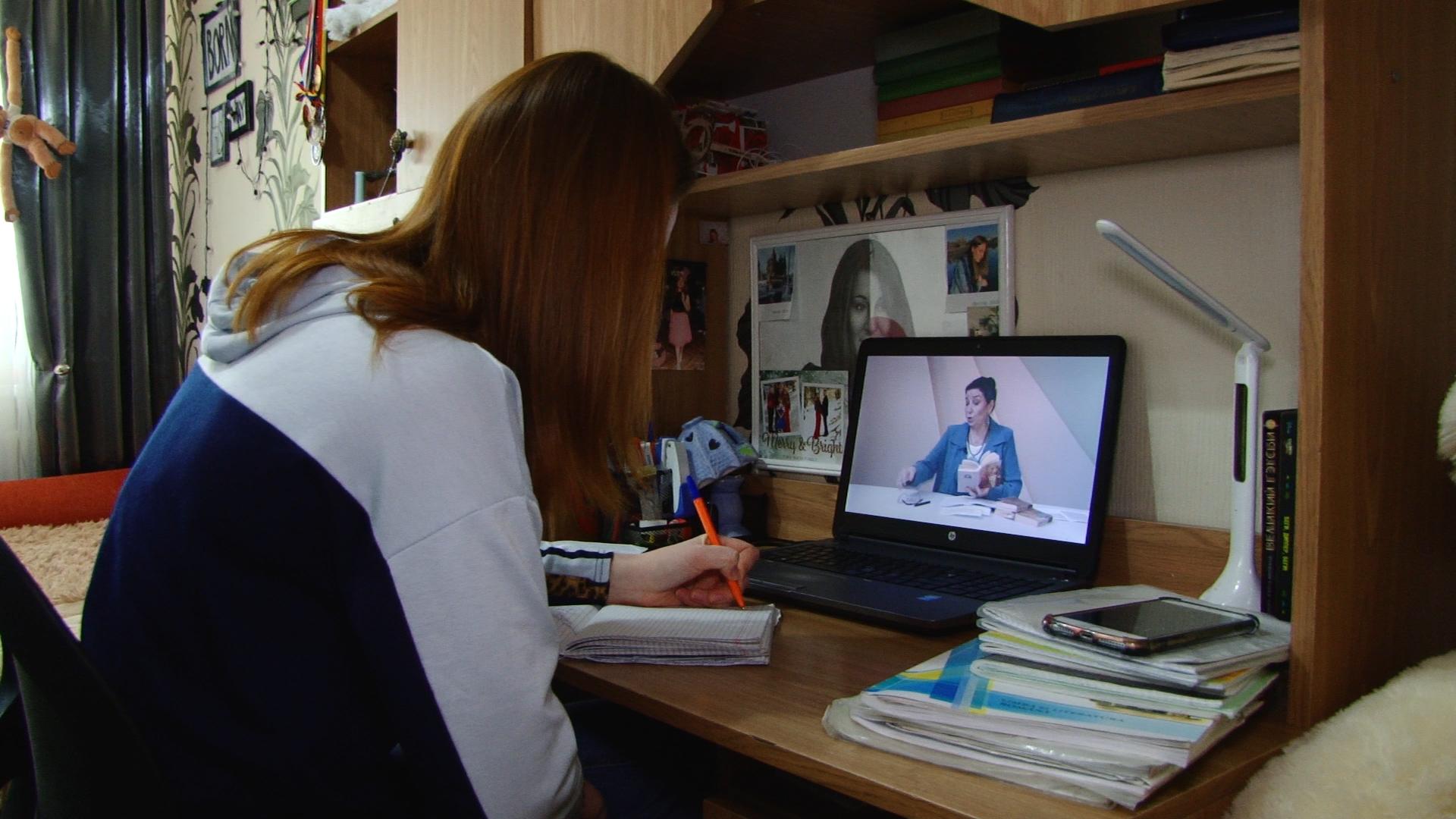 VIDEO | O elevă din Bălți: R. Moldova nu a fost pregătită să treacă la învățământul la distanță