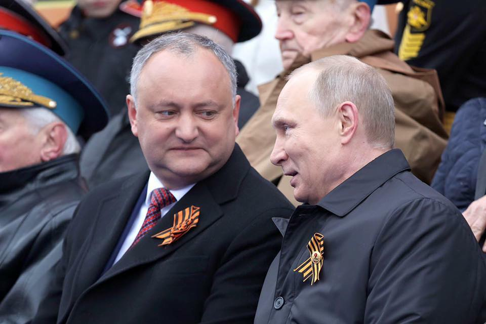 Anatol Moraru // Dodon e o parodie după Putin