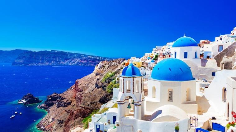 Греция разрабатывает список стран, из которых она примет туристов этим летом