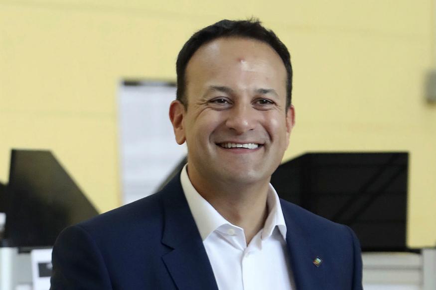 Premierul Irlandei revine la practica medicală pentru a-și ajuta colegii