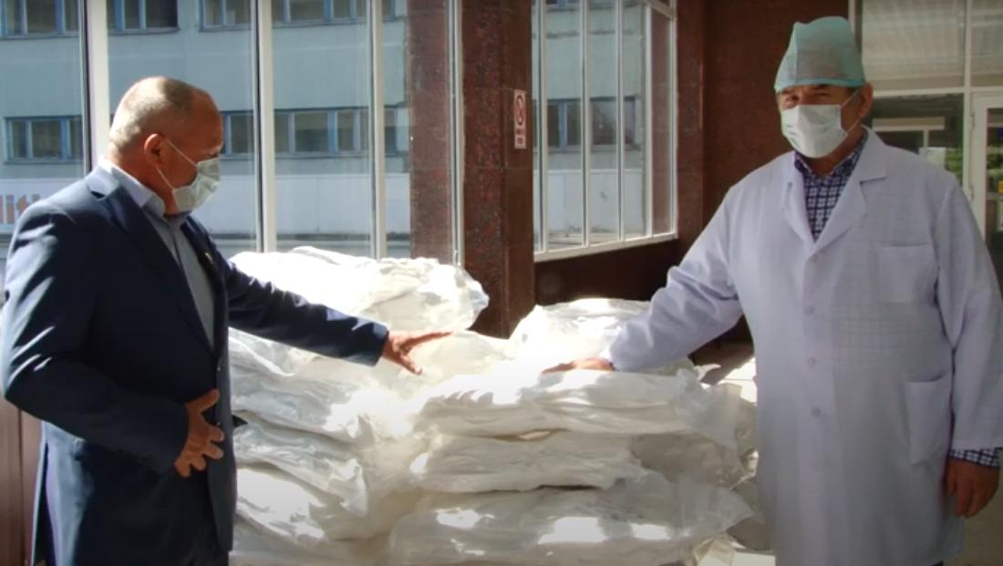 ВИДЕО     Бельцкая клиническая больница получила в качестве пожертвования один аппарат ИВЛ и 300 комбинезонов