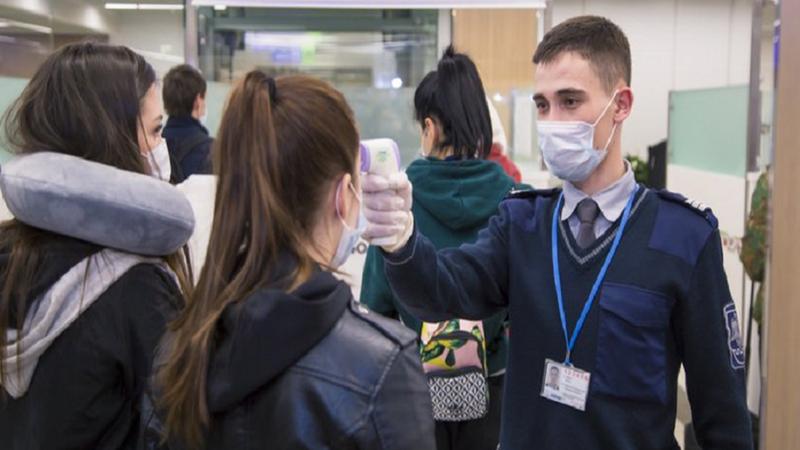 Dumbrăveanu : Unii cetățeni care se întorc din străinătate administrează pastile pentru a ascunde că au febră