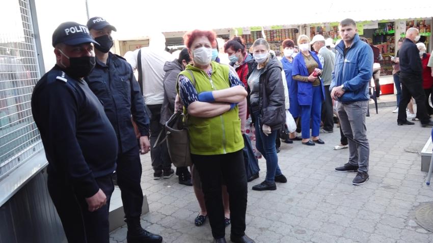 VIDEO | Noi proteste, noi promisiuni: Usatîi declară că, de mâine, piețele din Bălți vor fi redeschise