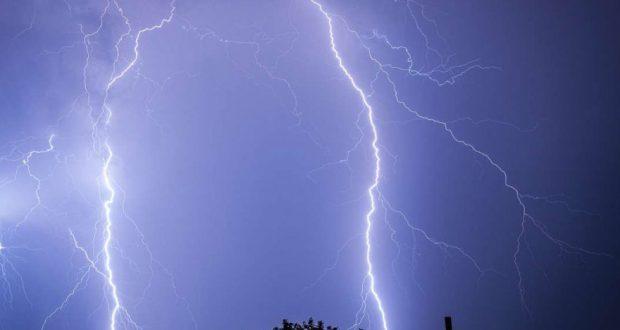 Alertă meteo! Cod galben de descărcări electrice