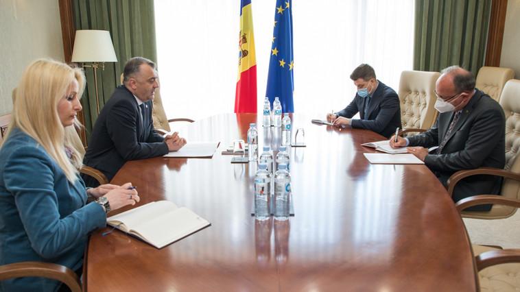"""Chicu s-a văzut cu ambasadorul Ioniță. """"Regretă"""" că n-a fost înțeles, dar… """"fiecare să-și vadă de problemele din țara sa"""""""