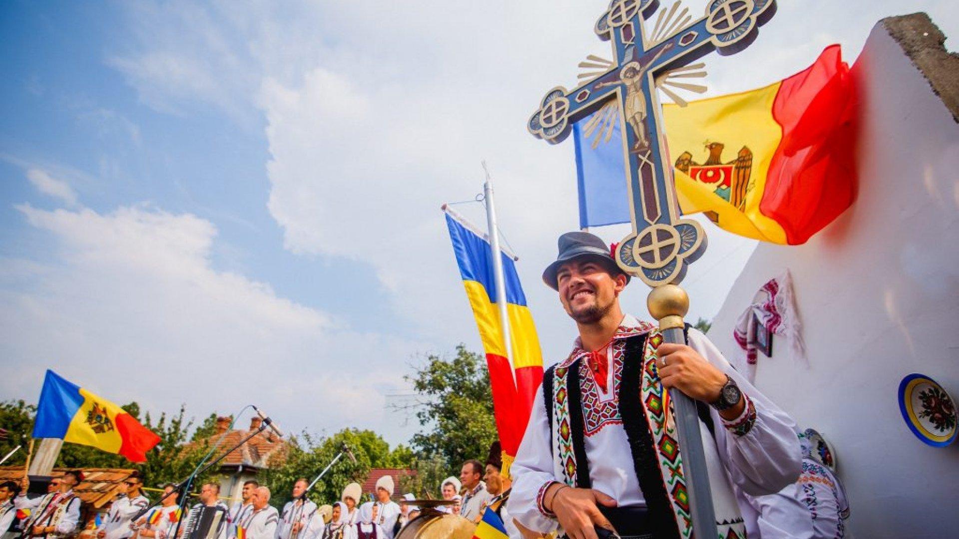 Premierul român Ludovic Orban, de Ziua Românilor de Pretutindeni: Suntem uniți. Sângele apă nu se face