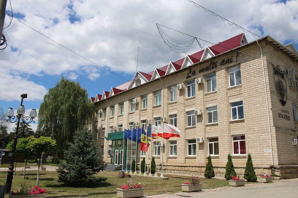 VIDEO   Încă o demitere eșuată la Sîngerei. Președintele raionului, amenințat cu dosare penale