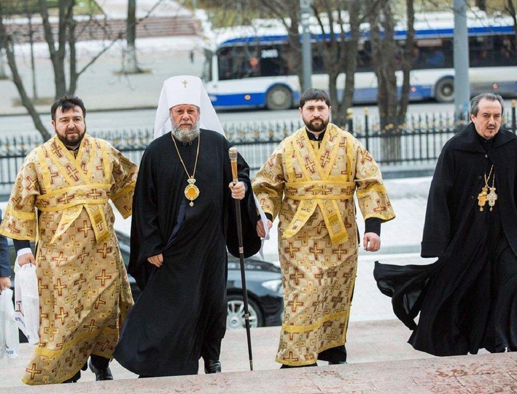 Preoții ar putea fi amendați pentru agitația electorală