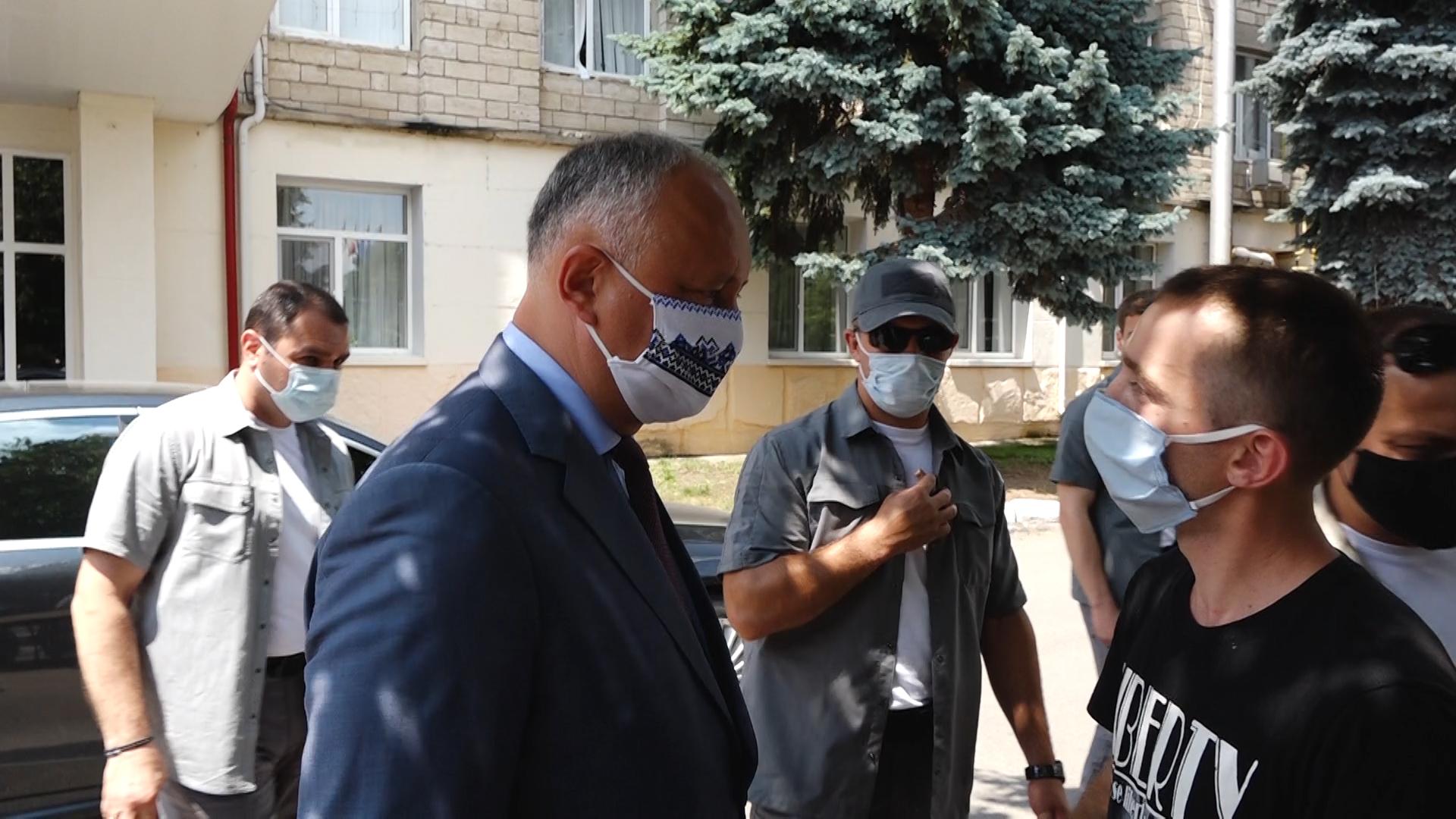 VIDEO | Igor Dodon, întâlnit cu proteste la Soroca