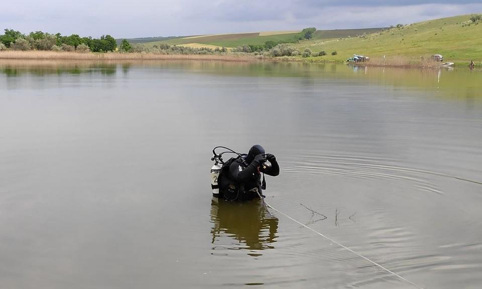 В озере села Сынджереий-Ной нашли труп мужчины. Погибшего искали два дня