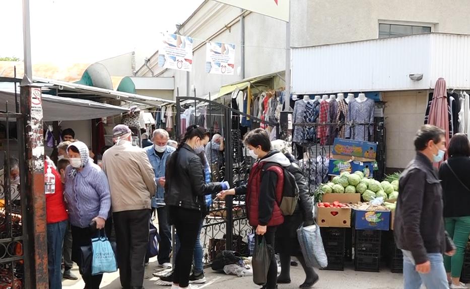 ВИДЕО   Несмотря на резкий рост случаев коронавируса в Бельцах, люди готовятся к Радонице