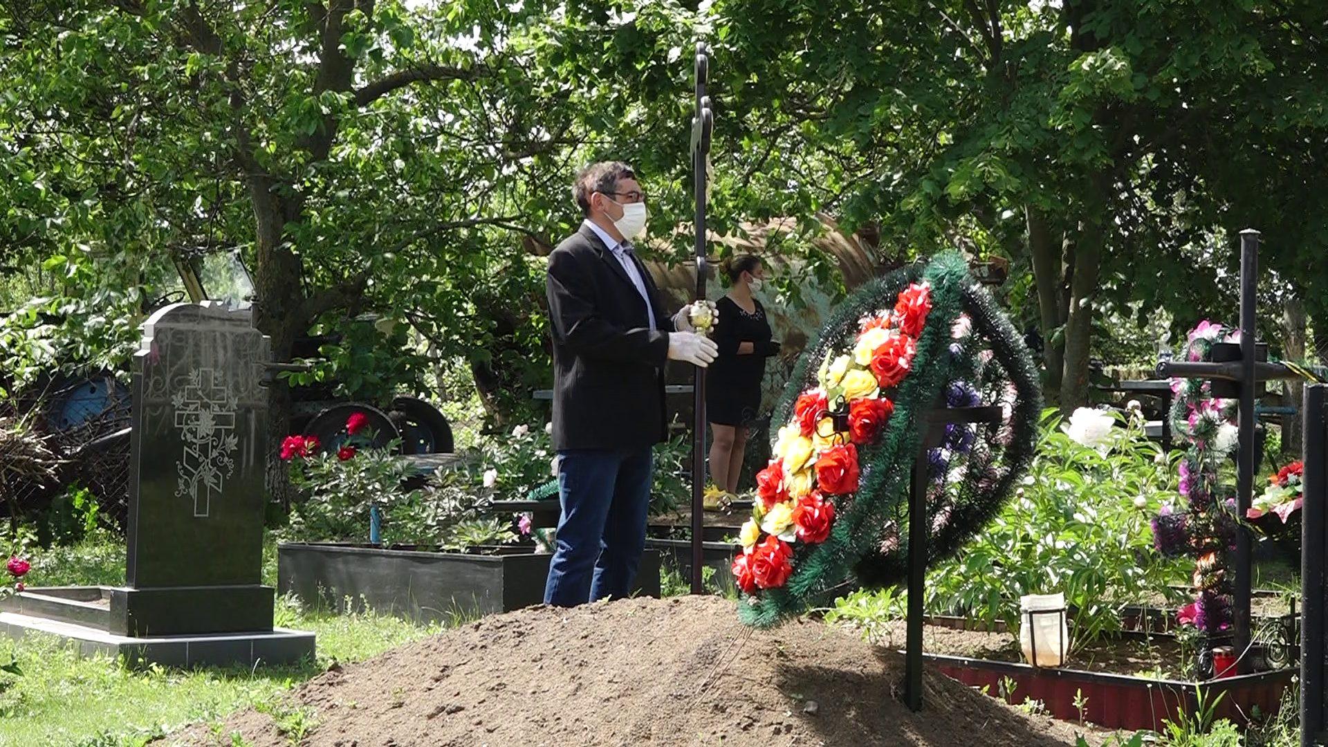 Anatol Moraru // Patria din cimitire
