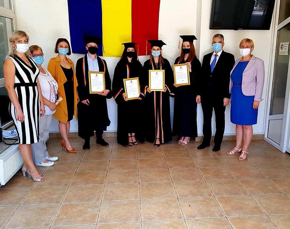 FOTO | Cei mai buni studenți USARB, felicitați de Consulatul General al României la Bălți