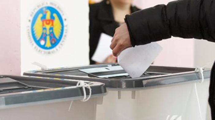 Cine ar putea câștiga prezidențialele din toamnă, potrivit sondajului BOP