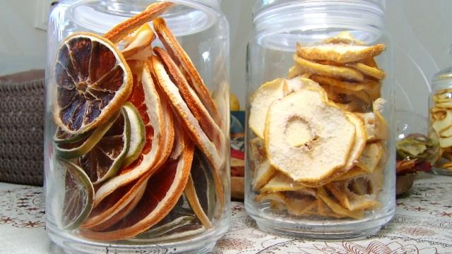 ВИДЕО   Жительница Бельц делает полезные чипсы. Фрипсы – лучшая замена сахара для худеющих и детей