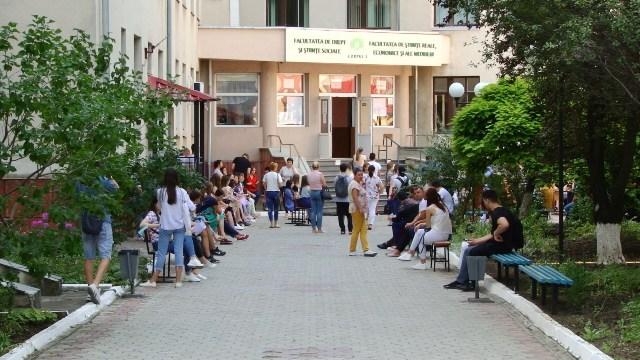 VIDEO | Cozi în prima zi de admitere la Universitatea din Bălți