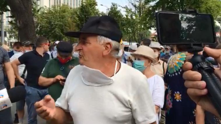"""""""Jos Dodon"""": Veteranii au ieșit, din nou, la protest"""