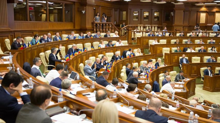 Guvernarea amenință și alți deputați din opoziție, cerându-le să depună mandatul, la fel ca Gațcan