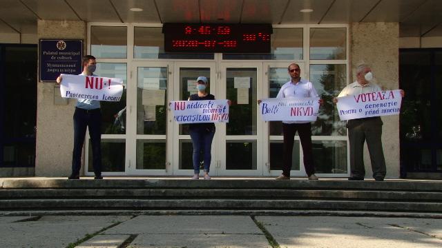ВИДЕО | Очередной протест дал надежду отмены строительства памятника пограничникам в бельцком парке