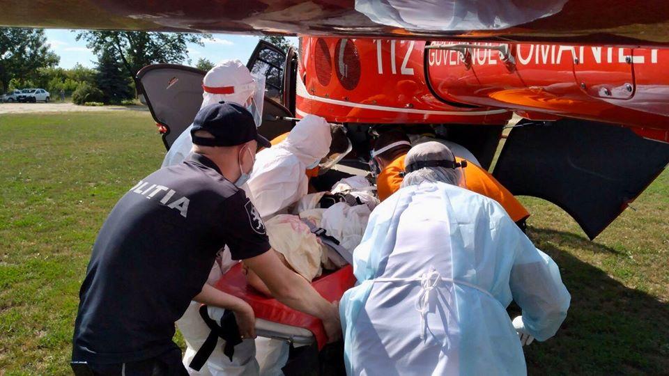 ФОТО | В Сынжерейском районе перевернулся бус. Потребовалась помощь спасателей и SMURD