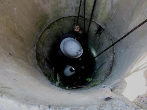 Un bărbat s-a îmbătat și a căzut într-o fântână în raionul Edineț