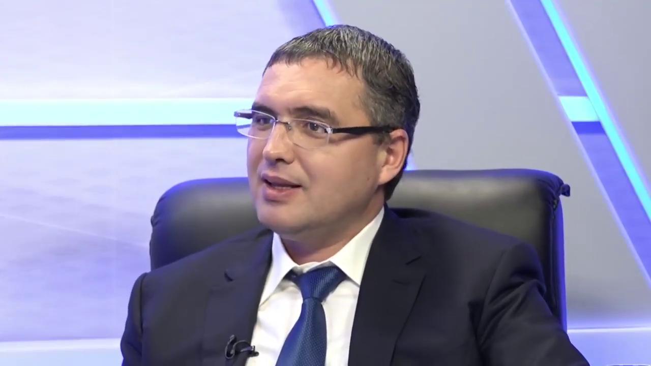 """Reacția lui Renato Usatîi la gestul indecent al președintelui raionului Fălești: """"Ciobani și idioți ca Fântână sunt prea mulți la noi în țară"""""""