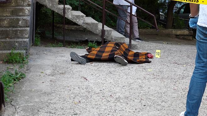 VIDEO | L-a împușcat, apoi i-a înfipt un cuțit în inimă. Detalii șocante în cazul dublei crime de la Bălți